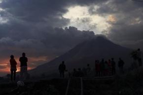 Вулкан Шивелуч выбросил столб пепла высотой 6 км