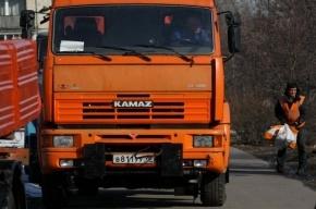 В Кировском районе Петербурга перевернулся «КамАЗ»