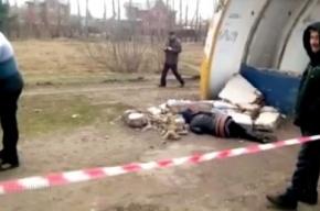 В Омске женщину насмерть задавило автобусной остановкой