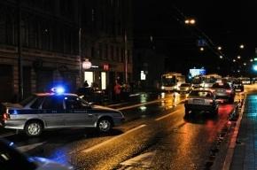 На проспекте Ветеранов полицейский на иномарке протаранил фонарный столб