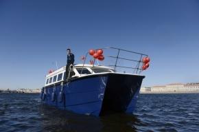 В Петербурге представили новый аквабус с биотуалетом
