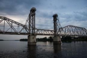 Школьница погибла во время фотосессии на железнодорожном мосту