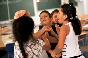 Ученые: Люди ощущают последствия травли в школе на протяжении 40 лет