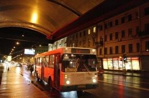 Ночное метро начнет работу в Петербурге с 1 мая