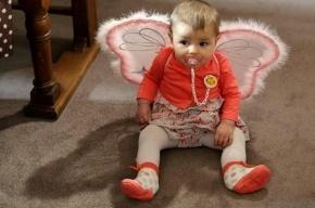 В Петербурге отец подкинул и не поймал двухлетнюю дочь