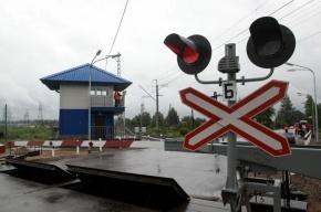Под Петербургом КАМАз попал в ДТП на железнодорожном переезде