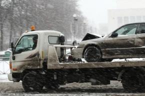 Mazda врезалась в полицейский УАЗ и перевернулась в Приморском районе