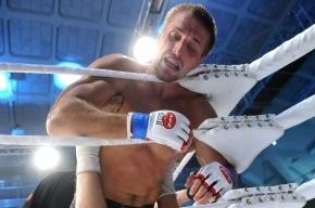 Россиянин Минаков защитил чемпионский титул Bellator, победив Конго