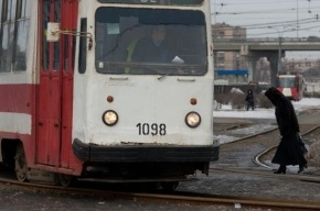 На Ржевке трамвай сошел с рельсов
