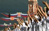 Петербург начал праздновать День города акцией «Танцующий Невский» : Фоторепортаж