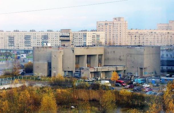Из  кинотеатра «Фестиваль»  будет выходить в эфир «Санкт-Петербург»