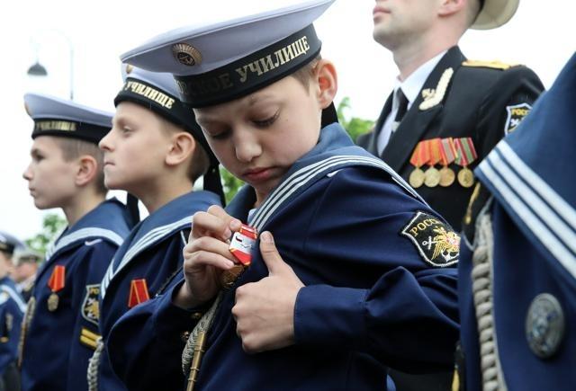 В Петербурге отметили 70-летие Нахимовского училища : Фото