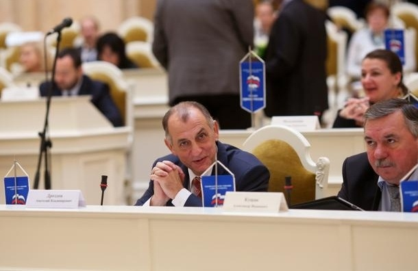 Исполком «Единой России»  возглавит депутат-«расческа»