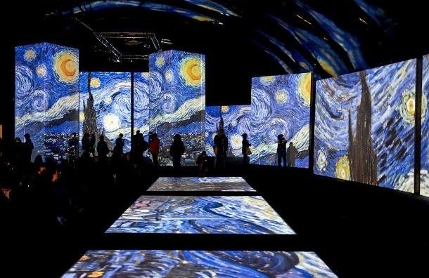 В Петербурге представили мультимедийную выставку картин Ван Гога