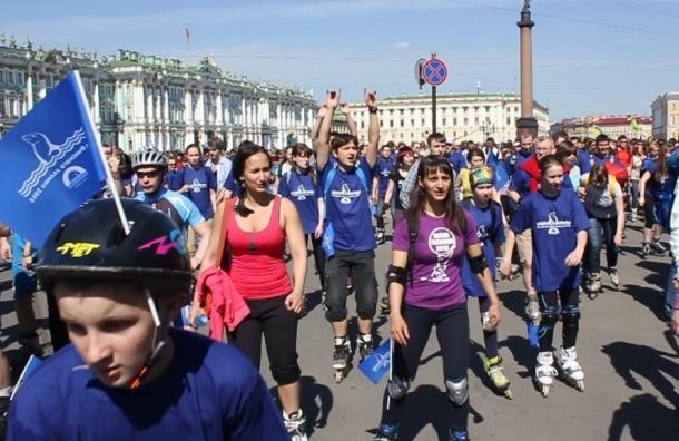 В Петербурге состоялся массовый пробег роллеров