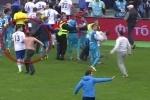 Фанат «Зенита» избил футболиста «Динамо» Граната прямо на поле