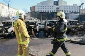 На Петергофском шоссе ночью горели четыре автомобиля