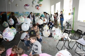 Парад100планет: как тысячи детей раскрашивали мир