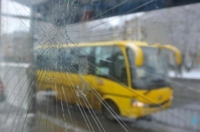 Маршрутка с пассажирами попала в серьезное ДТП в Красном Селе