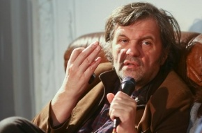 Режиссер Кустурица предоставил свои вертолеты пострадавшим в Сербии