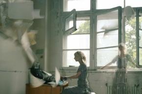 В Ленобласти женщина выбросилась из окна с младенцем