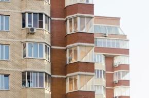 В Петербурге двухлетний ребенок выпал из окна четвертого этажа