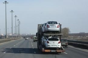 В Петербурге полиция со стрельбой задержала автовоз с иномарками