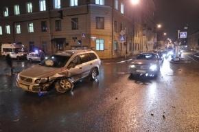В Петербурге полицейский попал в два ДТП и был госпитализирован