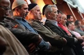 Крымские татары потребовали признания курултая и меджлиса