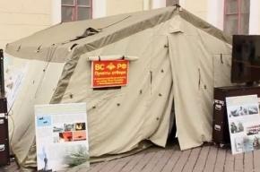 На Дворцовой площади открылся мобильный пункт призыва контрактников