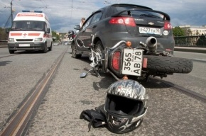 На Кубинской столкнулись три иномарки и мотоцикл