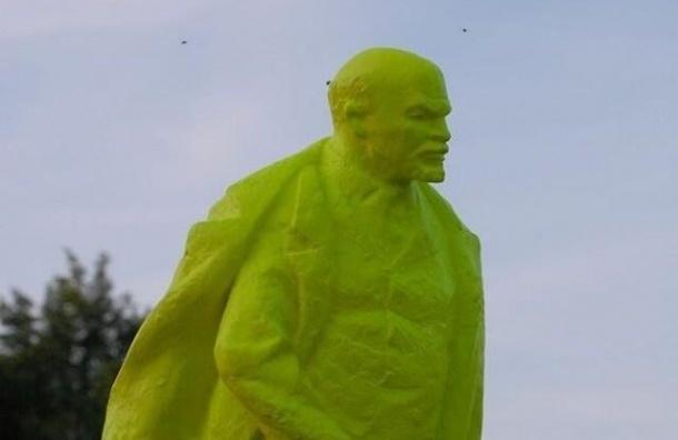 В Кракове появился необычный памятник Ленину