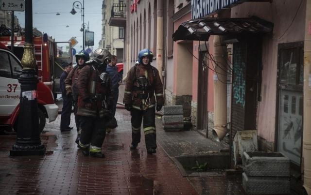 На Лиговском тушили пожар по повышенному номеру сложности 1 июня 2014 : Фото