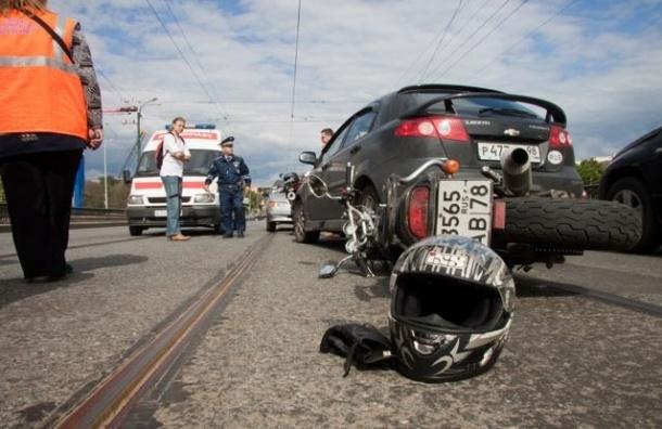 В Пушкине в ДТП с иномаркой погиб мотоциклист