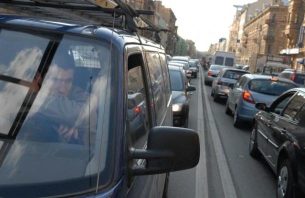 Невский проспект не нравится горожанам из-за транспортной перегруженности