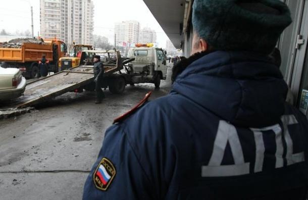 В Петербурге полицейский устроил ДТП с двумя пострадавшими