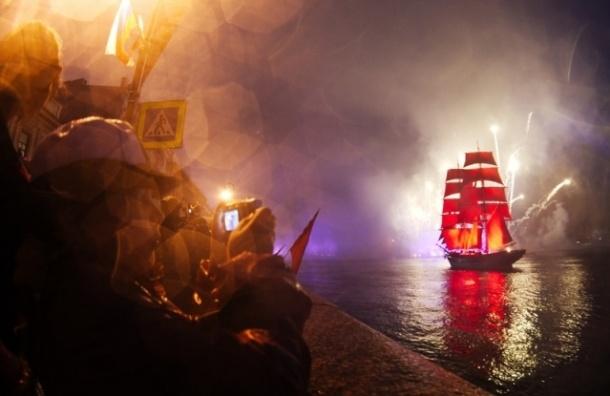 В Петербург на «Алые паруса»  прибыл парусник TreKronor