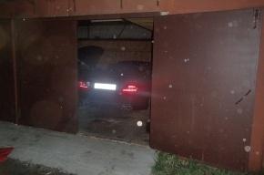 В Петербурге нашли тайник угнанных Mercedes