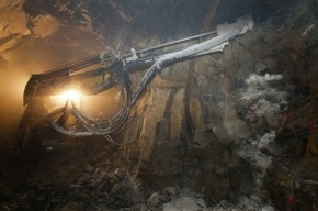 Два человека погибли при взрыве на шахте в Оренбургской области