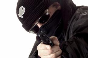 В Петербурге у бизнесмена на улице отобрали 7,6 млн рублей