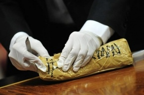 На американском судне в Петербурге нашли 12 кг кокаина