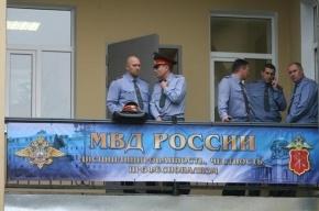 В Москве водитель подогнал к отделу полиции автомобиль с пистолетами