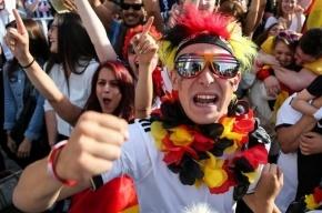 ФИФА может наказать сборную России за поведение фанатов