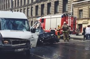 В Петербурге в ДТП с иномарками погибла женщина