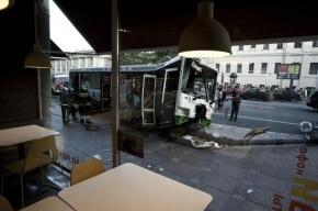В Подмосковье потерявший сознание водитель протаранил три автобуса