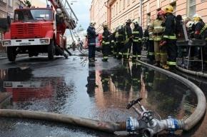 Пожарные потушили второй за неделю пожар на автозаводе «ЗИЛ» в Москве