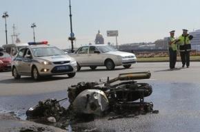 Два человека погибли в аварии с мотоциклом на Комендантском проспекте