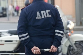 В Ленобласти инспектора ГИБДД задержали при получении взятки