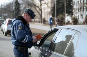 В Петербурге водитель зажал руку полицейскому и протащил несколько метров