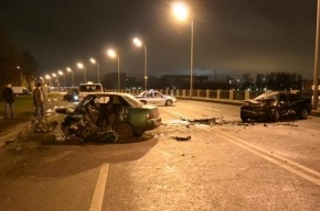 В массовом ДТП на трассе Петербург-Псков погиб полицейский